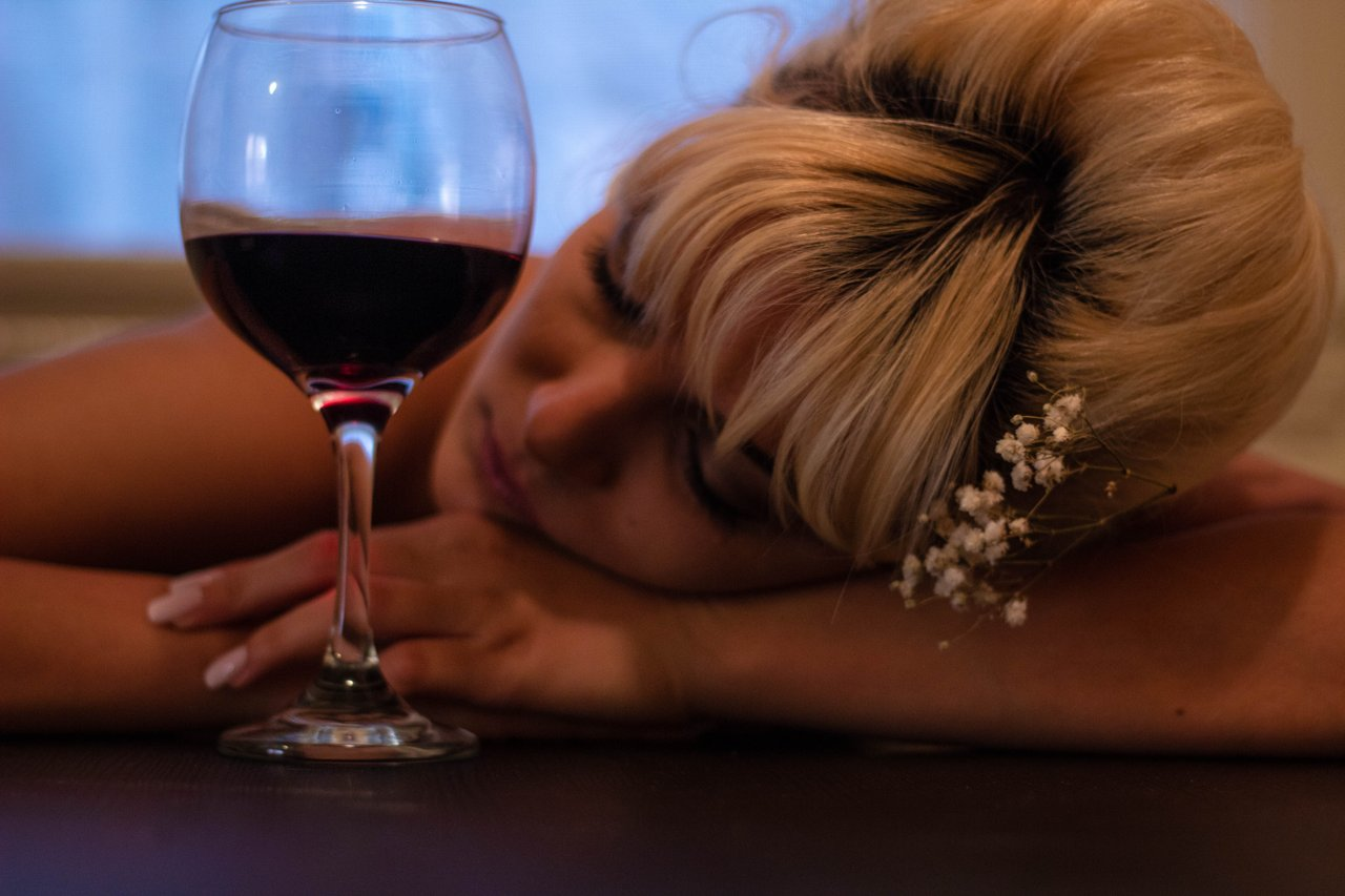 bere alcol a cena