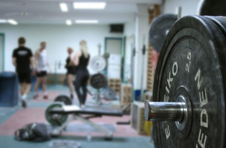 allenamento-con-i-pesi