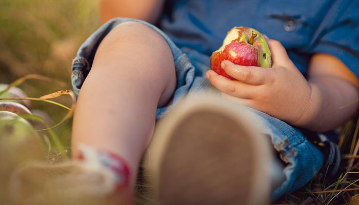 non-solo-cibo-guida-per-promuovere-la-salute-dei-bambini-in-famiglia