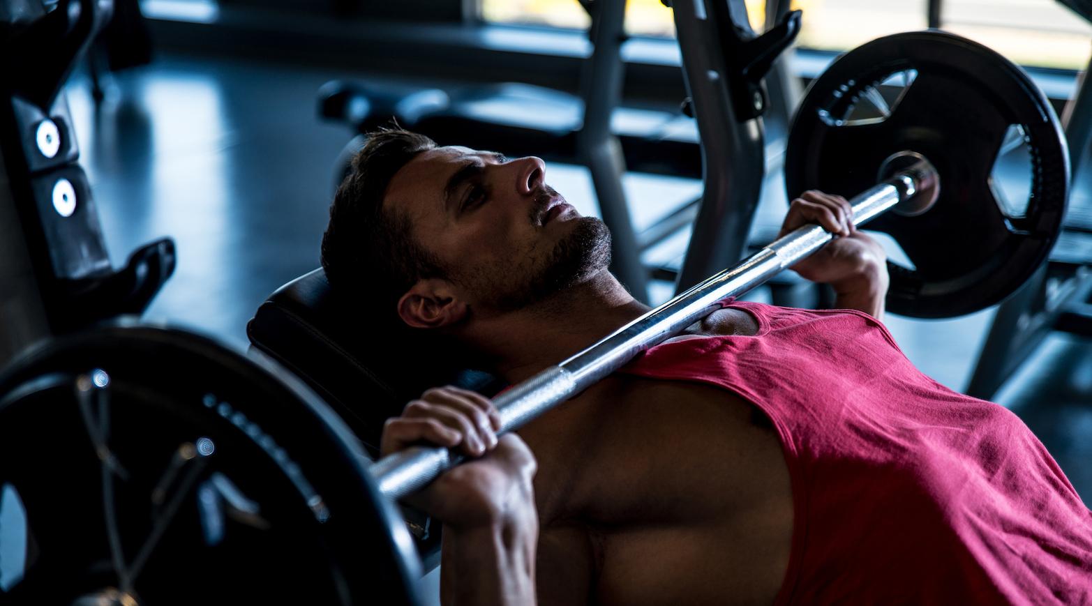 progressione-del-carico-e-allenamento-con-i-pesi