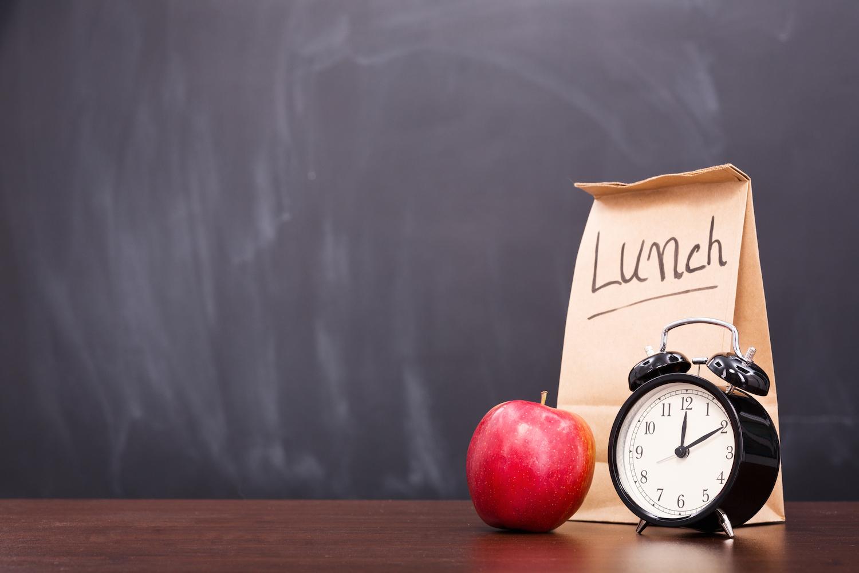 pranzare-presto-aiuta-dimagrire